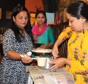 Setkání pro ženy inspirují účastnice vzájemně si pomáhat a sdílet dovednosti.
