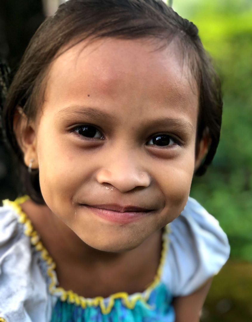 V tuto chvíli podporují čeští dárci v Indii 65 dětí z rodin, které nemají prostředky na vzdělání svých potomků. Díky podpoře může do školy chodit i šestiletá Manmaya.