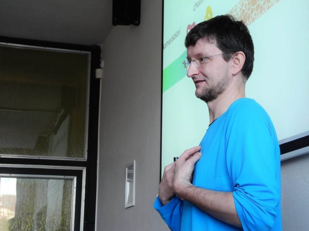 Lektor Miloslav Fanta při programu.
