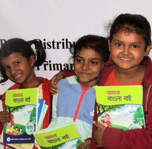 Děvčata z křesťanského dívčího dětského domova Savar v Bangladéši.