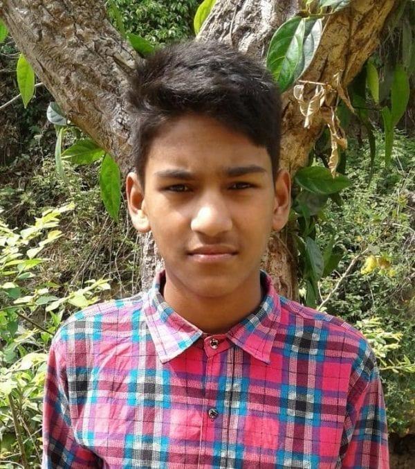 Indie: adopce dětí na dálku - Kamal Thapa