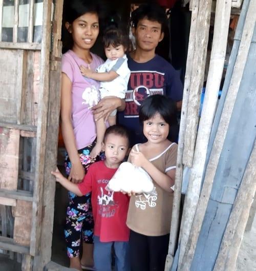 Domácí karanténa je velmi těžká věc, zvlášť pokud se živíte lovem ryb a žijete na Filipínách.