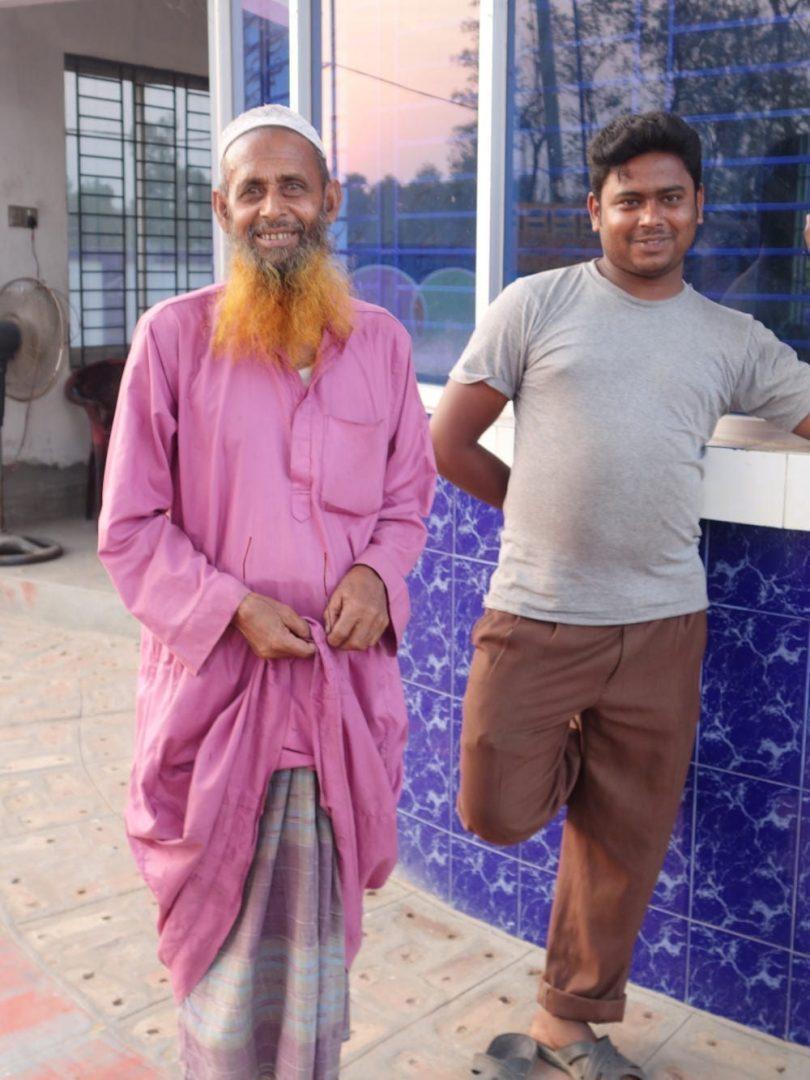Bangladéšský muž s námi zavedl rozhovor o islámu.