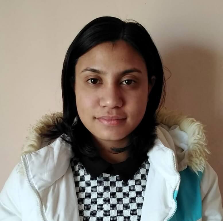 Nepálská vysokoškolačka Lydia Silwal k dálkové adopci.