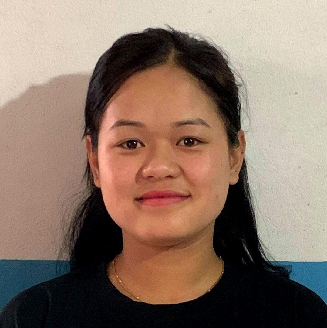 Nepálská vysokoškolačka Sushmita Gurung k dálkové adopci.