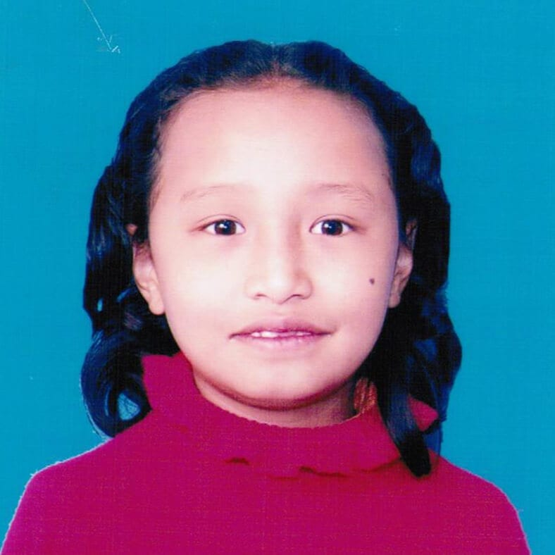 Dálková adopce dětí z Nepálu: Roxana Shakya