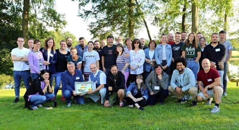 Účastníci soustředění v roce 2020 společně oslavili 25. výročí založení Nadace Mezinárodní potřeby.