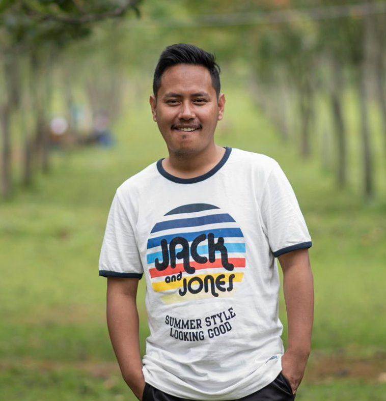 Ashok Thapa, mladík, který díky českým dárcům vystudoval i vysokou školu.
