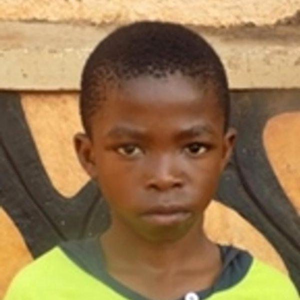Uganda: adopce dětí na dálku - Kevin Sanze