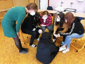 Lektoři se opět mohou s dětmi scházet na preventivních programech.